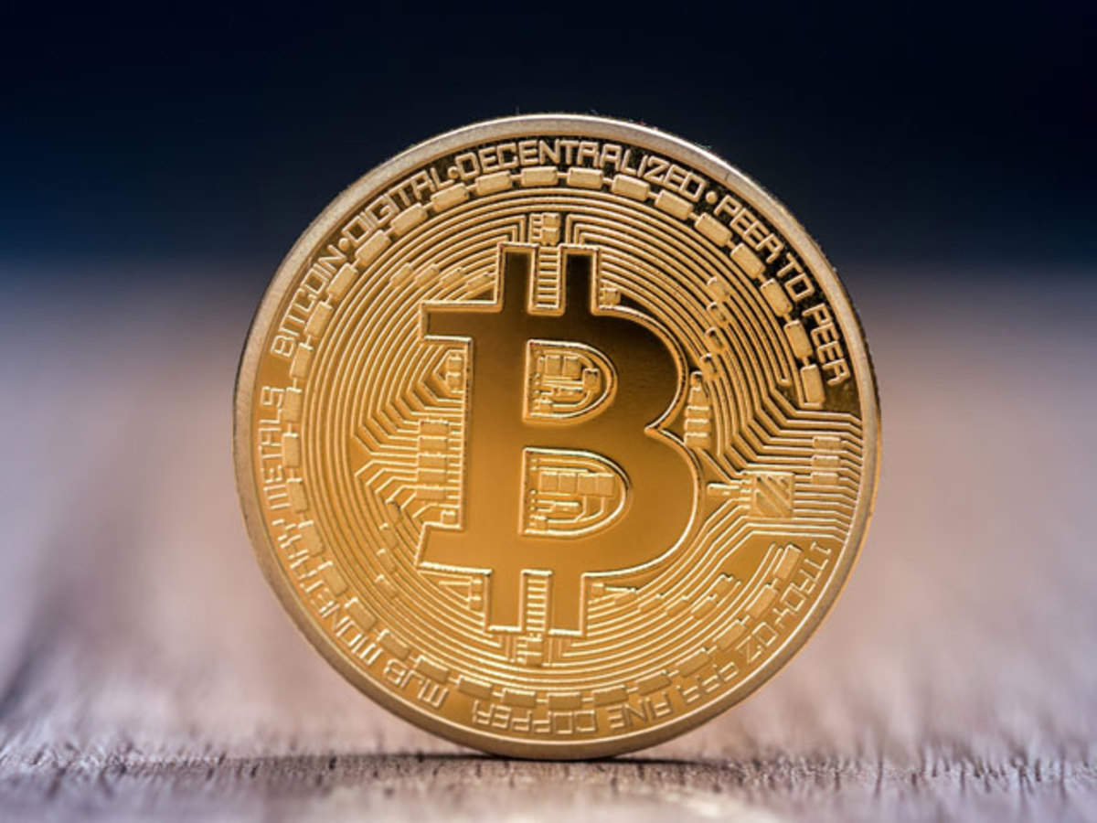 Hester Pearce has expressed dissatisfaction with SEC policy on bitcoin-ETFs